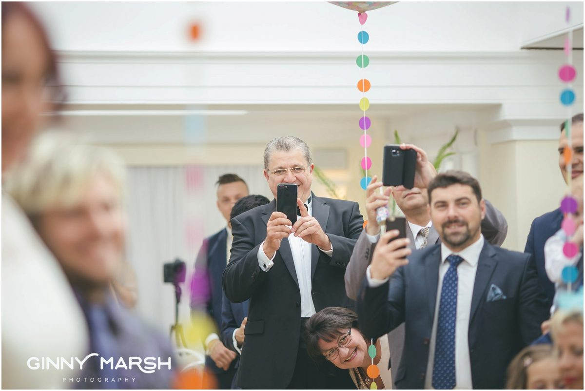 Wedding guests phone cameras | unplugged wedding
