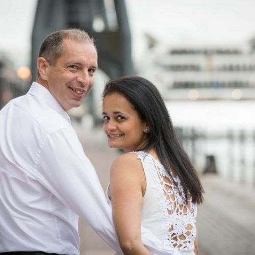 natural, relaxed wedding photography in Surrey